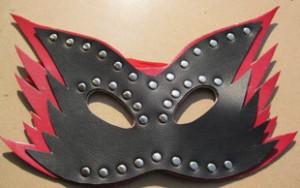 queen's mask.