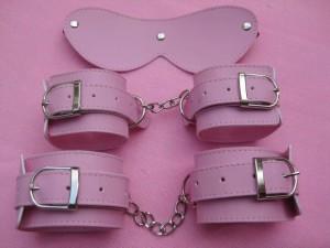 3 pieces bondage gear kit.