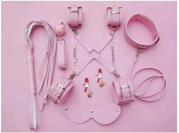 8 pcs bondage gear kit.